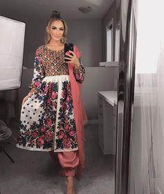 Pakistani Wedding Outfits, Pakistani Dresses, Indian Dresses, Indian Outfits, Abaya Fashion, Fashion Dresses, Afghani Clothes, Afghan Girl, Stylish Dresses For Girls