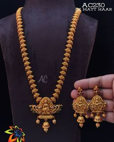 View more trending styles! Gold Temple Jewellery, Gold Wedding Jewelry, Bridal Jewelry, Gold Jewelry, Gold Necklace, Gold Bangles Design, Gold Earrings Designs, Gold Jewellery Design, Or