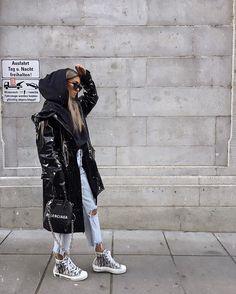 Balenciaga Bag look, and outfit Winter Fashion Outfits, Fall Winter Outfits, Look Fashion, Fashion Tips, Autumn Fashion, Cute Casual Outfits, Stylish Outfits, Mode Rihanna, Look Girl
