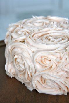 DIY: How to Make a Beautiful Cake Tutorial. Delicate pink rose shaped icing all over! // The Farm Chicks Cupcakes, Cake Cookies, Cupcake Cakes, Pretty Cakes, Beautiful Cakes, Vegan Wedding Cake, Wedding Cakes, Diy Wedding, Delicious Desserts
