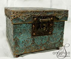 AngelicaS: A gift box for Madelaine...