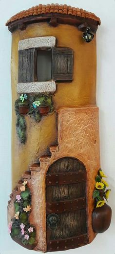 Jerez con rompope Tile Crafts, Biscuit, Fairy Doors, Bottle Painting, Clay Art, Clay Jewelry, Wood Watch, Decoupage, Recycling
