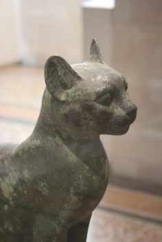 Louvre Egyptian cat