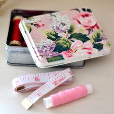 Image of Assorted Rose Tins