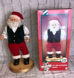"1999 Gemmy North Pole 18"" Hip Swinging Santa Swings To The Music Collectible   