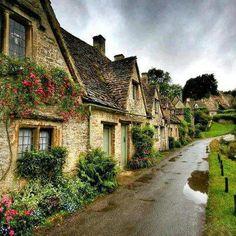 Me encantaría vivir en una casita como estas. El clima inglés creo que sería fantástico para mi.