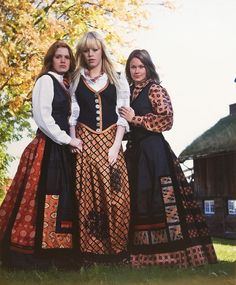 Norway, Vintage Outfits, Beautiful Places, Folk, Outfit Ideas, Europe, Victorian, Costumes, Dresses