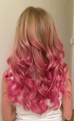 Pink hair made by me! Pre-bleached with 3% or 10 vol. using bayalage method…