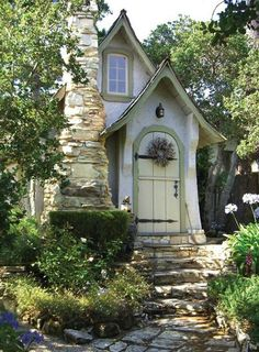 Cute little fairy tale style cottage Style Cottage, Cute Cottage, Cottage Living, Cottage Homes, Cottage Door, Garden Living, Cottage Chic, Storybook Homes, Storybook Cottage