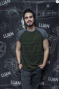 Luan Santana cancela shows após passal mal em viagem com a família, em 8 de outubro de 2016
