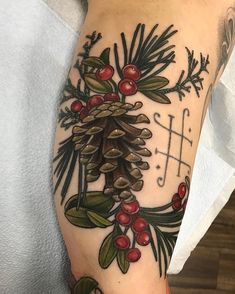 37 Impressive Arm Christmas Tattoo Design Ideas For Men That Looks More Elegant - Arm tattoos for men have been use throughout the centuries as a symbol of strength, agility and braveness. It is also used to express his tough mental. Nature Tattoos, Leaf Tattoos, Body Art Tattoos, Hand Tattoos, Sleeve Tattoos, Cool Tattoos, Fall Leaves Tattoo, Winter Tattoo, Pinecone Tattoo