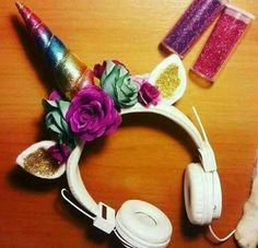 OML SOMEONE TEACH ME HOW TO MAKE THIS AWESOME HEAD SET