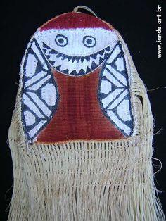 Máscara do Espírito Euéxu. Material: palha de buriti. Feito por índios: Yawalapiti. Outros nomes/grafias: Iaualapiti. Local: Parque do Xingu, Mato Grosso, Brasil.