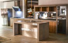 Gorenje: Philippe Starck minimalista konyhai kollekciója Philippe Starck, Kitchen Island, Interior, Projects, Design, Home Decor, Island Kitchen, Log Projects, Blue Prints
