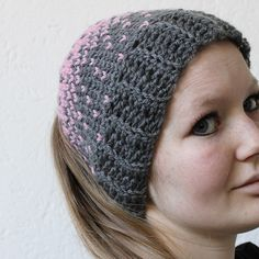 Here you can find a free crochet pattern for a heart hat with the crochet knit stitch or central crochet stitch. It really looks like it's knitted.