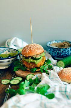 I adore cinnamon- subiektywny blog kulinarny o zapachu cynamonu: Wegańskie burgery dyniowo-ciecierzycowe z dipami z awokado i bakłażana