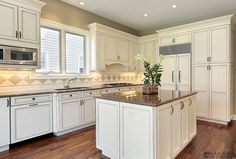 Kitchen cabinets, kitchen renovations, kitchen refacing in Oakville, Burlington, Mississauga are the specialty of PRASADA Kitchens & Fine Cabinetry. Custom Kitchen Cabinets, Custom Kitchens, Painting Kitchen Cabinets, Off White Kitchens, Cool Kitchens, New Kitchen Designs, Kitchen Ideas, Red Kitchen, Kitchen Refacing