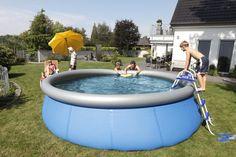 Plitsch.Platstch: Hiiiiiii-neeeeeiiiiiin mit euch ins Kühle nass! #Pool #Garten #Sommer #Sonne Abkühlung #Hitze #Wasser #schwimmen