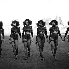 Quels étaient les préoccupations et le combat des femmes africaines d'avant l'esclavage et la colonisation, et comment se considèrent-elles depuis les années 1950, à savoir cette époque…
