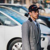 Découvrez les meilleurs looks de rue pris sur le vif par Jonathan Daniel Pryce à la sortie des défilés homme automne-hiver 2017-2018 à Milan.