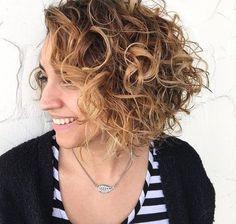 Estilos de cabello rizado magnífico para el pelo de longitud media //  #cabello #Estilos #Longitud #magnífico #media #para #pelo #rizado