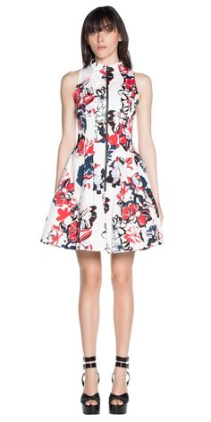 21 Racewear Dresses for Apple Shape Body Types - Mama Stylista