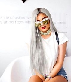 Womenswear | Fashion details | Long | Grey hair | Sunglass mirror | Summer style | Kylie