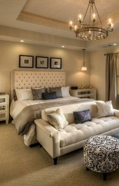 Inspiring Small Master Bedroom Decor Ideas and Remodel bedroom ideas Inspiring Small Master Bedroom Decor Ideas and Remodel Small Master Bedroom, Farmhouse Master Bedroom, Master Bedroom Design, Home Decor Bedroom, Modern Bedroom, Bedroom Furniture, Warm Bedroom, Bedroom Designs, Bedroom Ideas Master For Couples