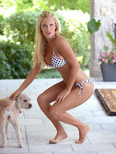 Jenny McCarthy celebrates her move back to Chicago in sexy bikini shoot Jenny Mccarthy Playboy, Jenny Mccarthy Feet, Sexy Bikini, Bikini Girls, Mc Carthy, Blonde Redhead, Polka Dot Bikini, Gorgeous Blonde, Mädchen In Bikinis