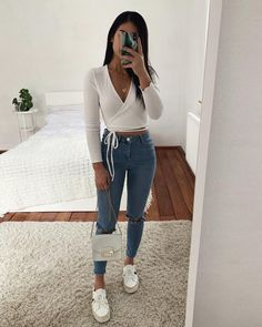 college outfits Lovely uploaded by Pleasing TT Eye on We Heart It Uni Outfits, Cute Casual Outfits, Teenager Outfits, Winter Fashion Outfits, Cute Summer Outfits, Simple Outfits, Pretty Outfits, Stylish Outfits, Spring Outfits