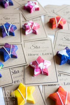 Melt some crayons to make better star-shaped crayons! Recycled Crayons, Diy Crayons, Melting Crayons, Broken Crayons, Melted Crayon Crafts, Crayon Art, Crafts To Do, Crafts For Kids, Crayon Molds