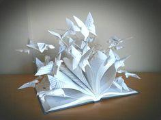 Book art sculpture - Paper art - Artistic Book - Marielle JL https://www.etsy.com/es/shop/MarielleJL