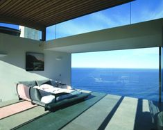 Glass House Architecture in Sunny California | Modern House Designs