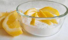 Avec un peu de bicarbonate de soude et de citron, il est facile de blanchir vos dents.