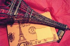 Image discovered by نور موسفيرة . Find images and videos about pink, paris and eiffel tower on We Heart It - the app to get lost in what you love. Paris 3, I Love Paris, Paris France, Paris City, Francia Paris, Pink Paris, Tour Eiffel, We Heart It, Gb Bilder