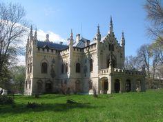 Castelul de la Miclăuşeni Romania Travel, Barcelona Cathedral, Notre Dame, Beautiful Places, Mansions, Country, House Styles, Building, Heart