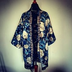 Hanmade floral kimono unique #BlueMadone #kimono #boheme #hippie #vintage #fringes