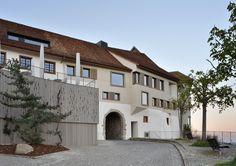Burg-Ambiente im Kanton Zürich - Mittelalterliches Gasthaus von L3P Architekten renoviert