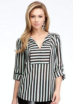 bebe Tricolor Stripe V-neck Tunic Woven Tops Tri Color St. Blouse Styles, Blouse Designs, Hijab Fashion, Fashion Dresses, Hijab Stile, Mode Hijab, Color Stripes, Dress Patterns, Shirt Blouses