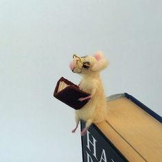guiltless reading: #BookmarkMonday: Squeak!