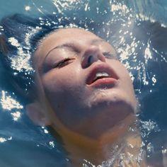 La vie d'Adèle, Adele swimming