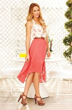 Lauren Conrad has the best clothes! I love her style! Look Fashion, Fashion Outfits, Fashion Trends, Floral Fashion, Fashion Styles, Fashion News, High Fashion, Lauren Conrad Style, Coral Skirt