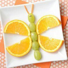 A fruity butterfly snack cute food, funny food, food humor, kid friendly . Fruit Art Kids, Food Art For Kids, Toddler Meals, Kids Meals, Healthy Kids, Healthy Snacks, Butterfly Snacks, Fruit Snacks, Fun Fruit