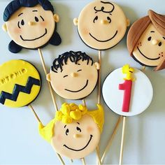 Pirulitos de chocolate da turma do Snoopy, fofos! Por @tammymontagna #kikidsparty