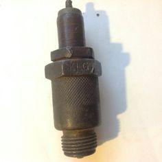 KLG 669 T.  England. 18 mm