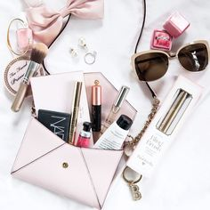 Bling Brush® The Original Natural On-the-Go Jewelry Cleaner - From Luxe With Love Flatlay Source You Fall Inspiration, Flat Lay Inspiration, Career Inspiration, Makeup Inspiration, Rock Style, Mode Instagram, Instagram Lifestyle, Lifestyle Blog, Flat Lay Photography