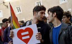 A super-amendment to a civil unions bill was passed in a vote of confidence in the Senate on Thursday, paving the way for the contested bill to become law.
