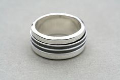 2 x oxidised spinner ring