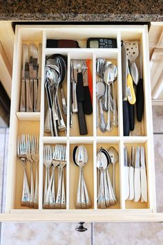 Make your own Custom Wood Kitchen Utensil Drawer Organizer! Super easy and so cheap. Great Alternative to expensive drawers for the handy man. Utensil Drawer Organization, Diy Drawer Organizer, Drawer Organisers, Kitchen Organization, Kitchen Storage, Organization Ideas, Cutlery Storage, Storage Ideas, Diy Storage