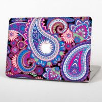"""The Vibrant Purple Paisley V5 Skin Set for the Apple MacBook Pro 15"""" with Retina Display"""
